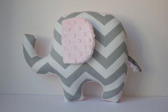 Leichte Rosa Elefant Kissen moderne Kinderzimmer von LilKingdom