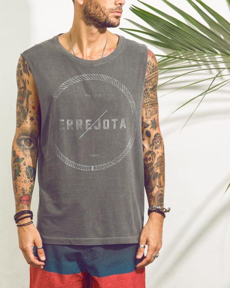 Na Lab77 você encontra diversas camisetas, regatas masculinas e femininas com estampas incríveis! A maior variedade com preços incríveis você confere aqui!