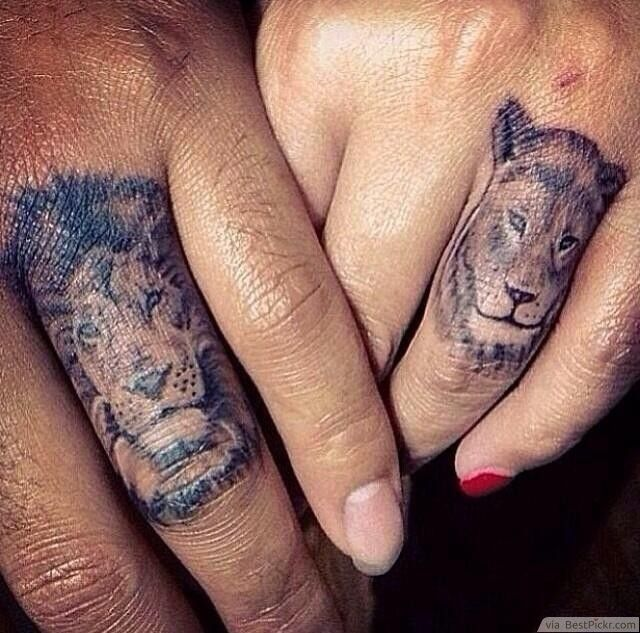 Ring Finger Matching Lion Tattoos For Couples ❥❥❥ http://bestpickr.com/matching-couples-tattoos