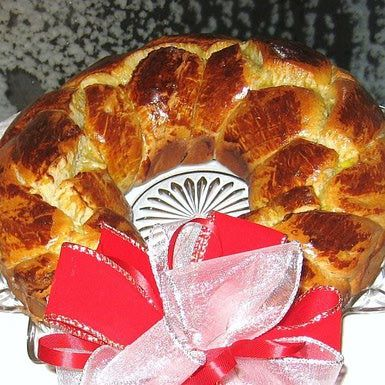 Croatian Braided Christmas Bread Wreath - © 2010 Barbara Rolek licensed to About.com, Inc.