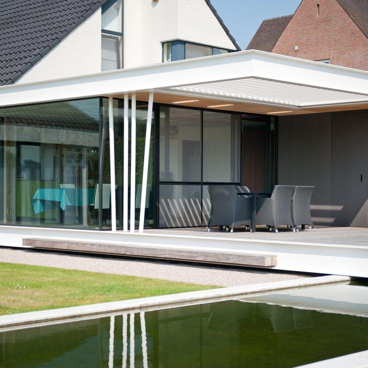 Trend Livium louvredaken maken de terrasoverkapping of veranda lekker licht Ze vormen een prachtig spel van