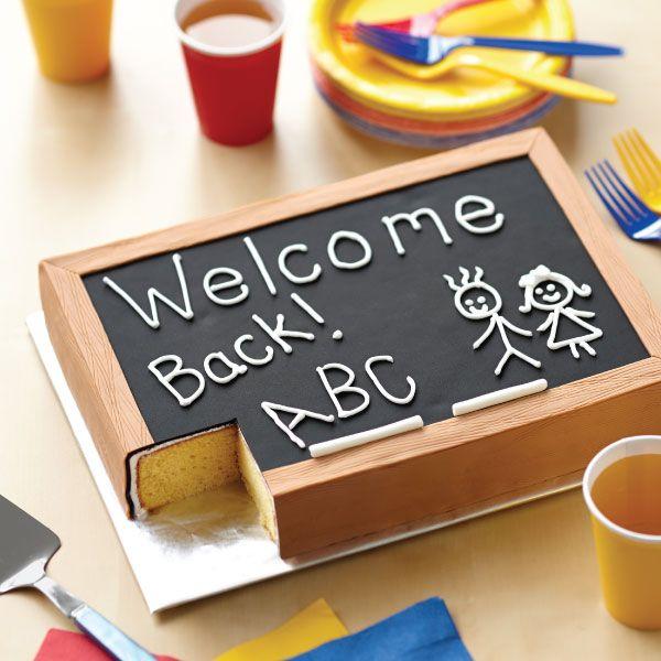 Back-to-School Chalkboard Sheet Cake #wilton #cake #cakedecorating #dessert #backtoschool                                                                                                                                                                                 Más