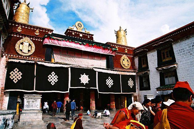 4 Days Lhasa Group Tour 2015 / 2016,escorted small group tour to Lhasa.