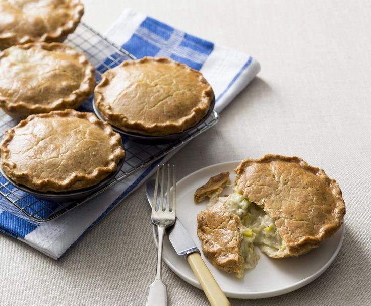 Recipe Chicken and leek pies by Thermomix in Australia - Recipe of category Main dishes - meat