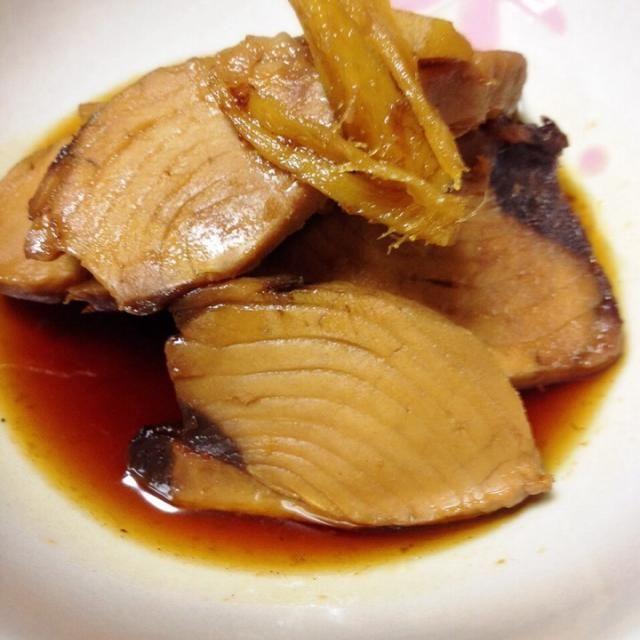 ゆうさんに頂いたカツオのお刺身が4切れほど残り、タイの兜煮の出汁で炊いたカツオ。 白飯が進みます。 - 53件のもぐもぐ - かつおの佃煮 by watamaru920