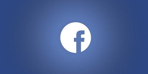 Nigdy nie wierzę Markowi Zuckerbergowi, który wprawdzie stał się krasomówcą i ładnie opowiada o przyszłości, jednak zwykle jest trochę nieżyciowy.  http://www.spidersweb.pl/2013/04/facebook-home-android-zuckerberg.html