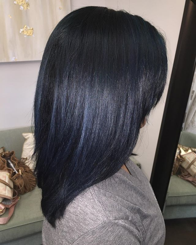 25 Midnight-Blue Hair Ideas That Will Inspire Your Next
