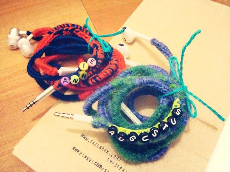 crochet earphone wrap