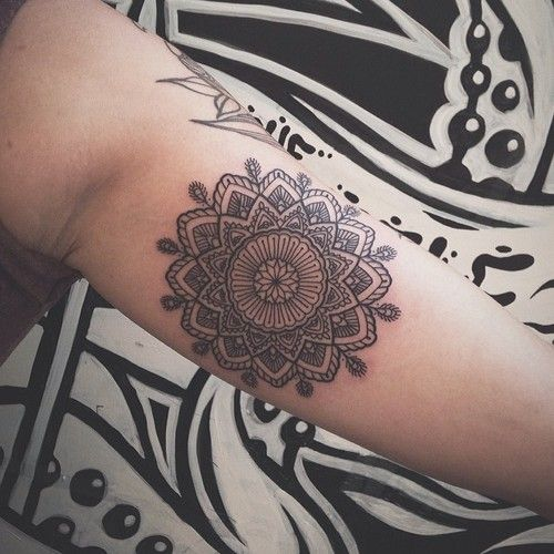 711 best tattoo henna styles images on pinterest mandalas tatoo and tattoo ideas. Black Bedroom Furniture Sets. Home Design Ideas