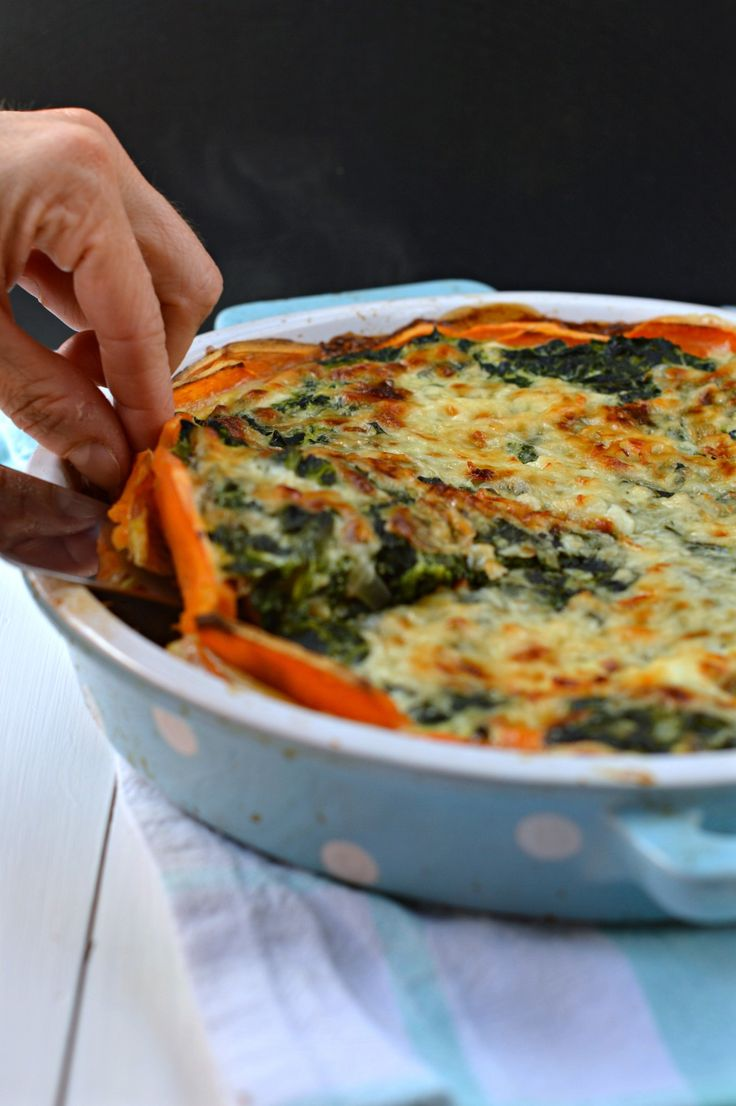 This sweet potatoes crusted spinach quiche is an healthier and faster version of the classic spinach quiche. A Gluten free crust-less spinach quiche.