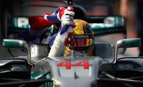 Lewis Hamilton / Mercedes GP celebrates in parc ferme after victory in the Canadian F1 Grand Prix