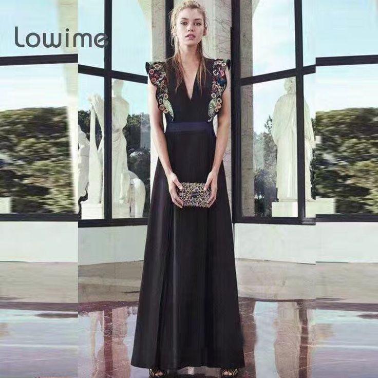 Брендовое платье Gucci черное в пол. Сексуальный вырез декольте. Цветочная вышивка в качестве декора. Высокая талия. Размеры S M L Цена 9500 руб