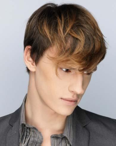 elegante corte de pelo en capas para hombres para revitalizar su cabello lisos y sin vida