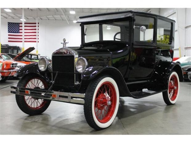 1927 Ford Model T Gorgeous Restored In Black With White Wall Tires And Red Rims Antique Cars Ford Models Classic Cars