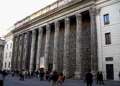 Romano Impero: tempio di Adriano Roma