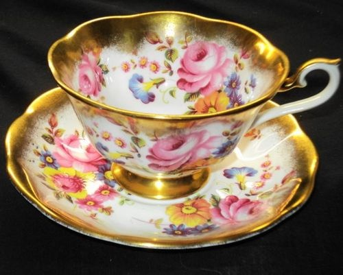 Royal Albert Gold Treasure Pink Roses Wide Tea Cup and Saucer Chest | eBay