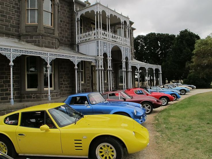 Club Cars out front of Barwon Park