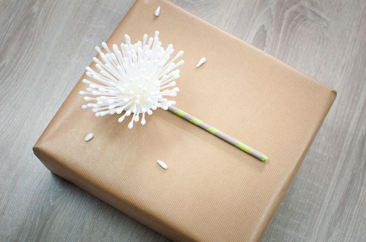 Geschenke schön verpacken | schön einpacken; Gift wrapping, Geschenke verpacken, Geschenke einpacken, Kraftpapier