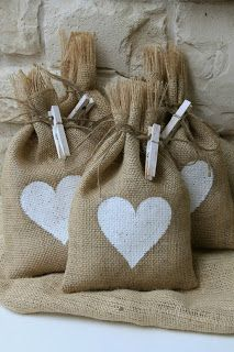 TODO CON ARPILLERA..   ALL WITH BURLAP...