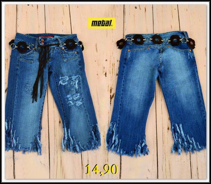 Summer✅ Denim✅ Fringes✅ 👍Γυναικεία τζιν βερμούδα με σκισίματα και κρόσσια στο τελείωμα❣️  #metal #metal_deluxe #fringes #shorts #fashion #jeans #rip #ripped_shorts #ripped_jeans #summer_shorts #denim #summer #summer_jeans #womensfashion #womensclothes #womensjeans #girl #fashionista #style #stylish #icon #newarrivals
