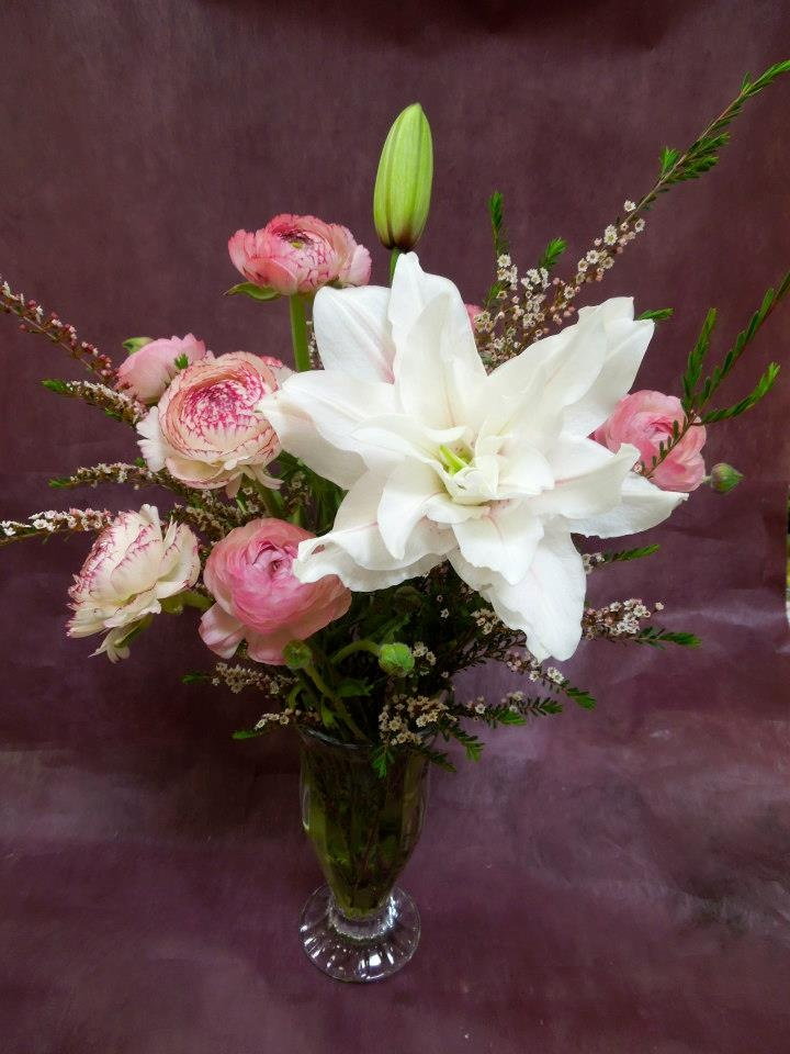 Double lily with ranunculus!!