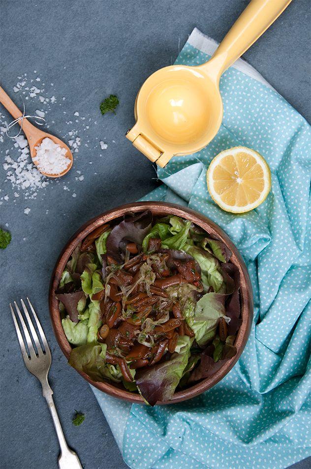Ensalada de cochayuyo, nutritiva y saludable. Esta alga, entre otras cosas, es una fuente importante de yodo, calcio, fósforo, potasio y vitaminas B y B12.