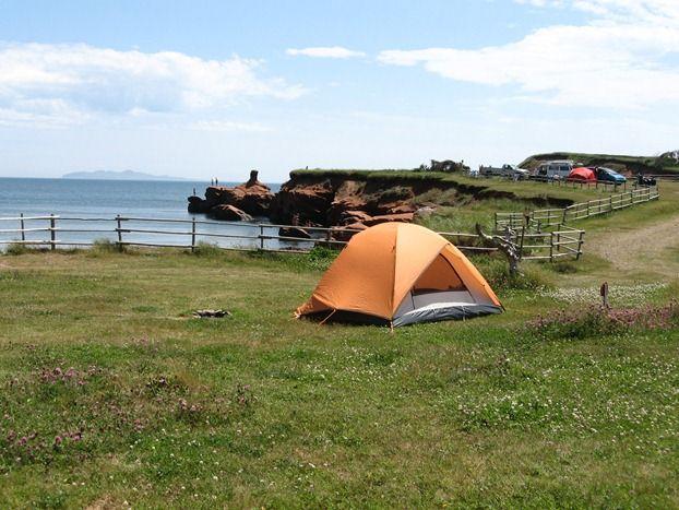 """""""Camping en famille: les 11 plus beaux terrains au Québec"""" par Anne Marie Parent, Parc de Gros-Cap, #Ilesdelamadeleine"""