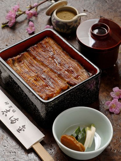 Unagi on rice. First time I had this was in Kamakura in the Spring. It was amazing  <3