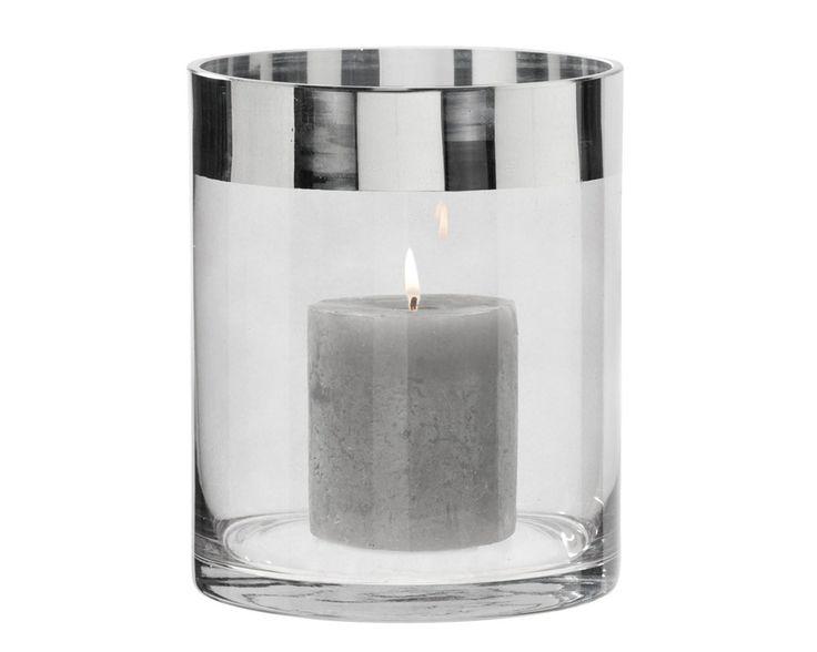 Vaas Jean: maak het extra gezellig in huis met deze glazen lantaarn. In 2 afmetingen verkrijgbaar #HomeLabel