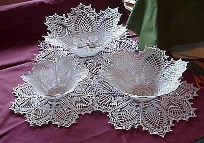 La forma tradicional de endurecer las labores de crochet es con ALMIDON. Ponga a hervir un litro de agua. Mientras tanto disuelva 2 cu...