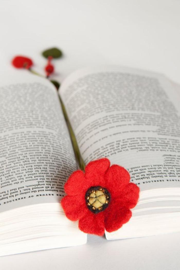 marque page original, fleur en feutrine