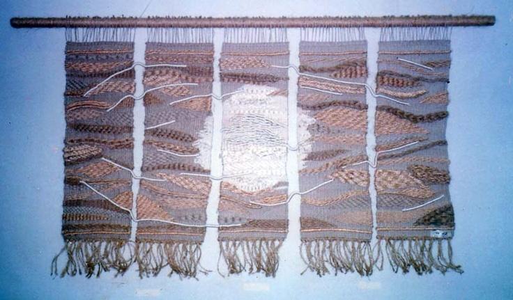 realizado en fibras naturales y seda: texturas y wrappings