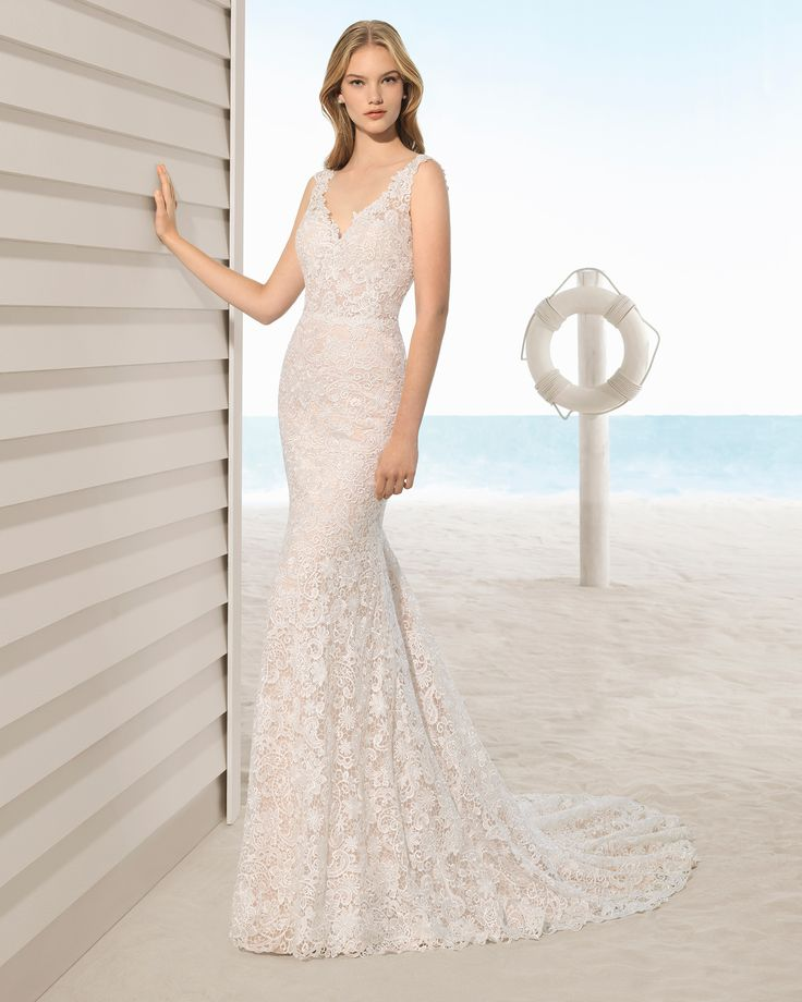 Mermaid Style Guipure Lace Wedding Dress With V Neckline And Low Back In