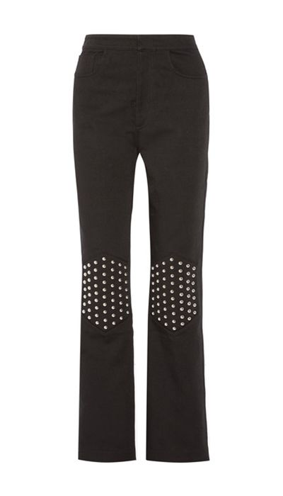 KNEE STUDS  Versatile and adorable, these Knee studded jeans will quickly become your favourite pair of jeans. Finish them off with an edgy crop top and a pair of Chelsea boots for… https://www.estrolo.com/denim-options/ #NeeStudsJeans #DenimLook #NewJeansStyle #EstroloFashion
