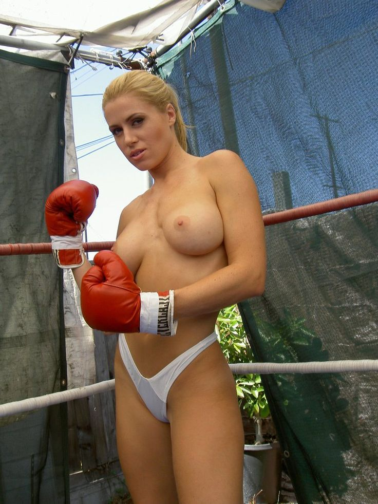 Sexy nude women boxing apologise, but