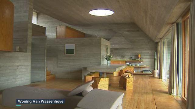In Sint-Martens-Latem is de woning Van Wassenhove gerestaureerd. Het minimalistische huis is een ontwerp van de Oost-Vlaamse architect Juliaan Lampens. Hij werd lange tijd vergeten, maar nu lopen velen weer warm voor z'n werk.