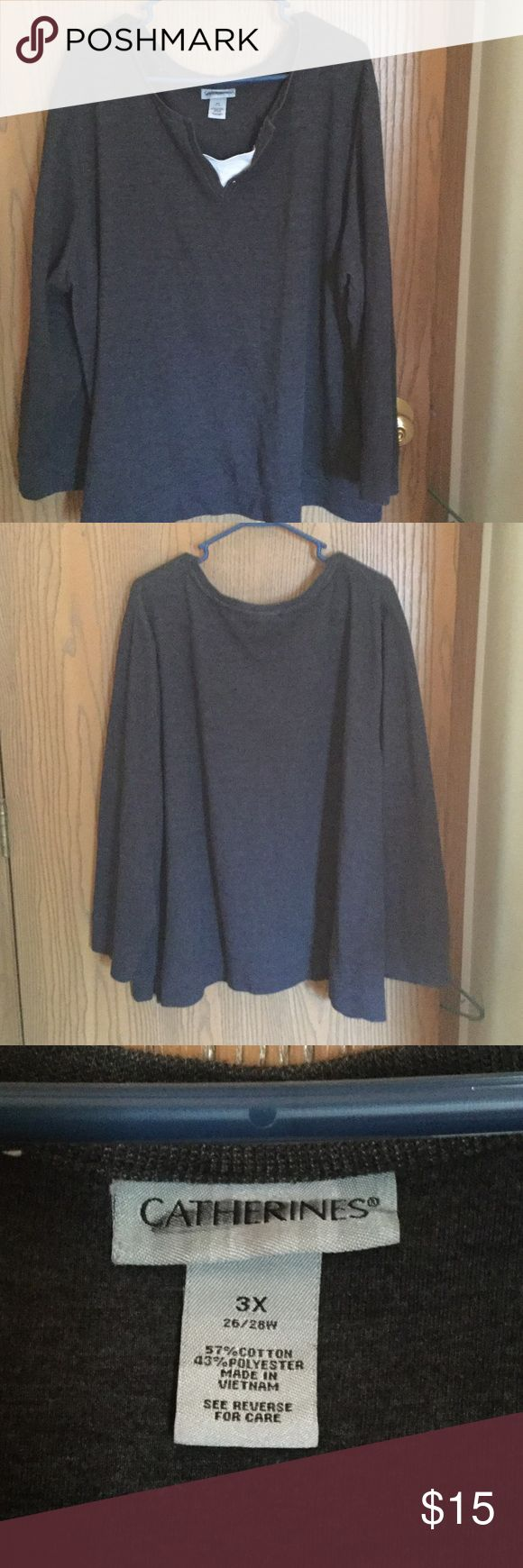 Plus Size Pullover Sweatshirt Wore once, gray sweatshirt, comfortable, soft! It looks great with jeans! Catherines Sweaters Crew & Scoop Necks