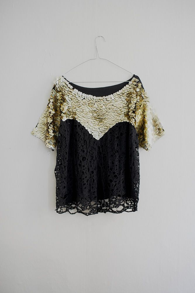 .Fashion Shoes, Lace Tops, Romantic Wedding, Style, Black Laces, Gold Sequins, Black Gold, Stay Gold, Sequins Lace