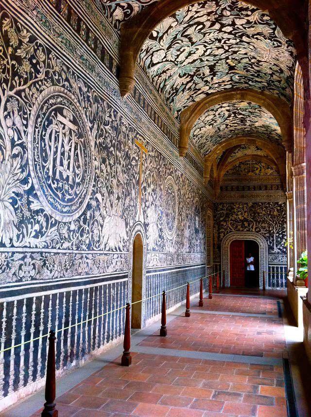Murales del ex convento agustino de Malinalco; considerados uno de los ejemplos más notables del arte novohispano.
