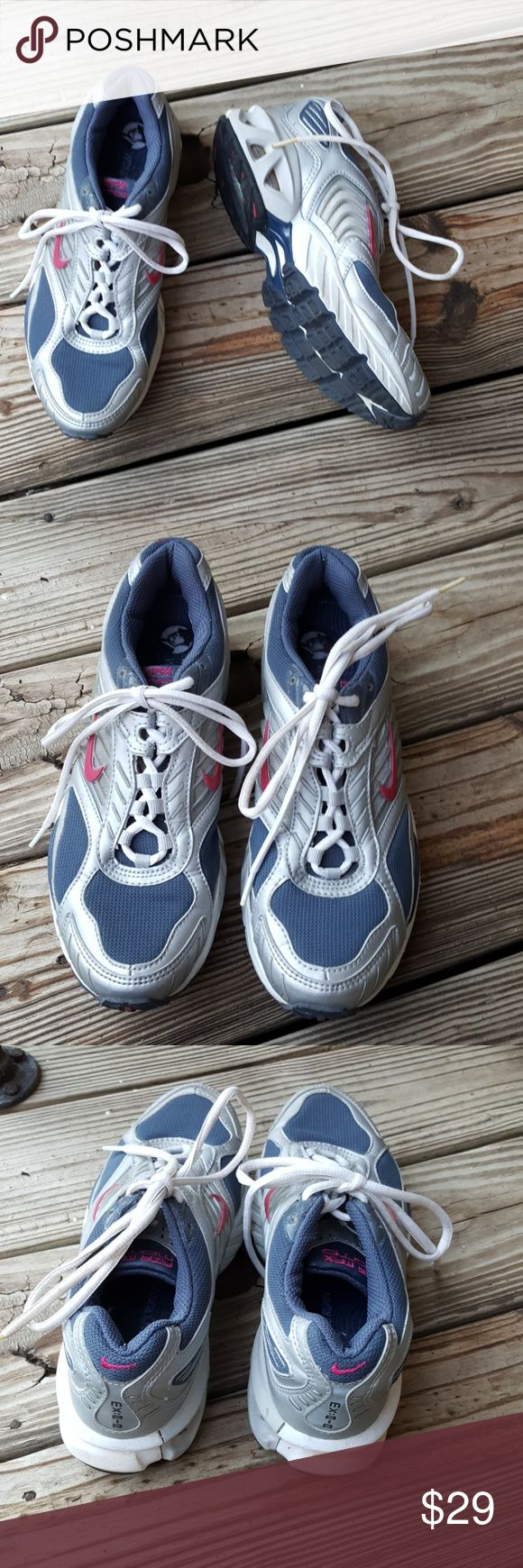 8 nike air max moto Excellent used condition men's running shoes Nike Air Max Moto Nike Shoes Sneakers