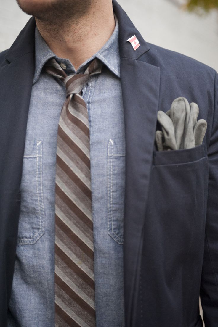 denim and brown striped tie.: Ties Shirts, Color Combos, Chambray Shirts, Men Style, Denim Shirts, Men Fashion, Pockets Squares, Men'S Style, Casual Offices