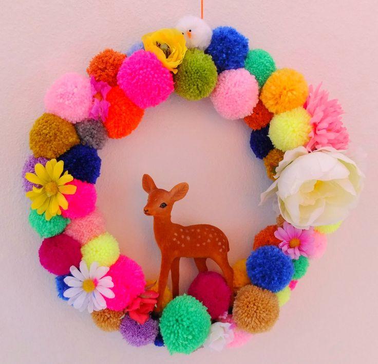 pom-pom wreath // jans sister