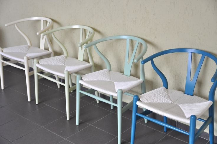 """""""CH24"""" Stuhl oder Y-chair von Hans J. Wegner für Carl Hansen in diversen Farben lackiert"""