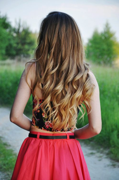 I love when ombre' hair is at the bottom, like this! Too cute! #summer #hair #love #ombre #wavy #curls