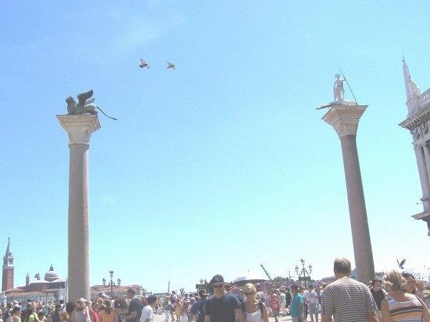 venezia crowd