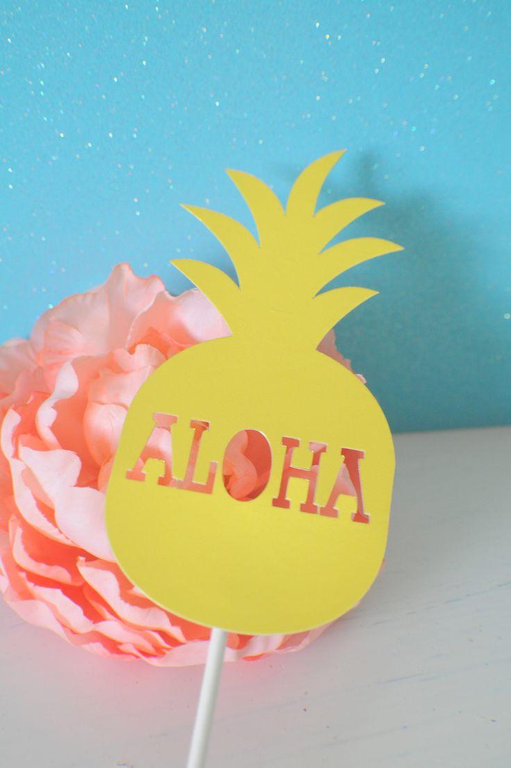 Pineapple cake topper, Hawaiian cake topper, luau cake