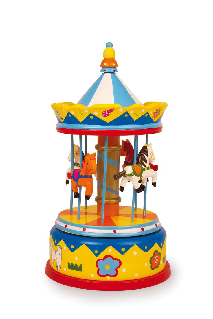 Wondermooi bont gelakt speeluurwerk met 4 paarden, speelt een prachtige melodie. De draaimolen draait daarbij vrolijk rond en de geur van gebrande amandelen, geglaceerde appelen en suikerspinnen lijkt in de lucht te hangen!