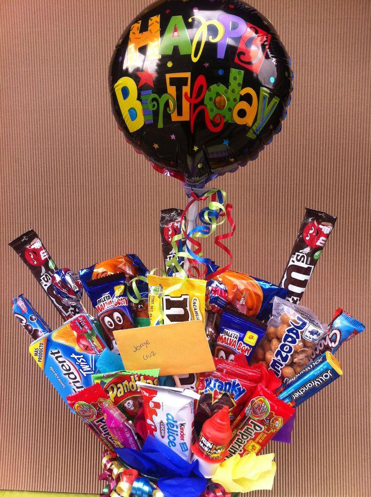 Entre los dulces y chocolates, escondido... va  ese detalle que  sorprende. Regalos Amer, 5524 6977