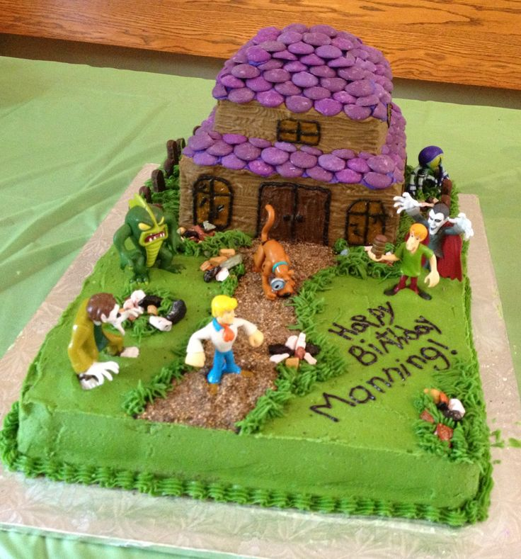 Haunted house scooby doo cake