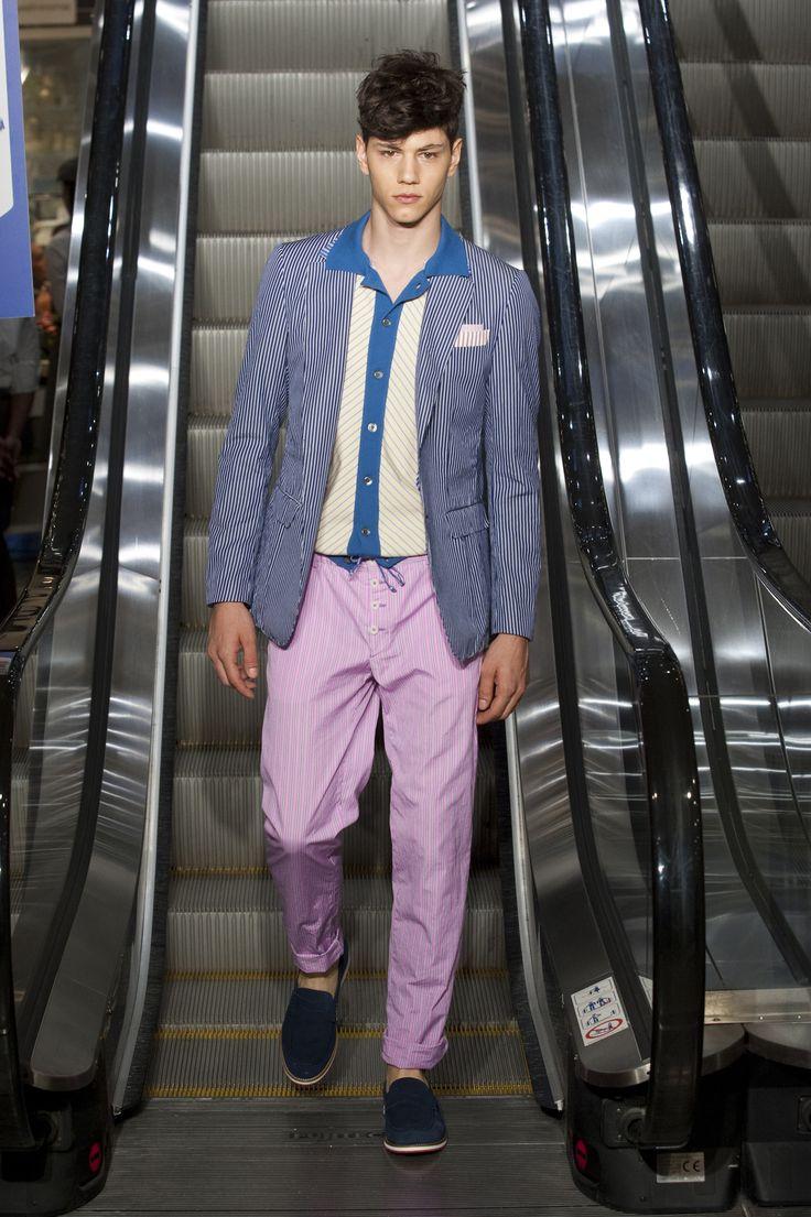 Simone Nobili runway @ Moschino Spring/Summer 2013 Milan Fashion Week (June 25, 2012 18:00)